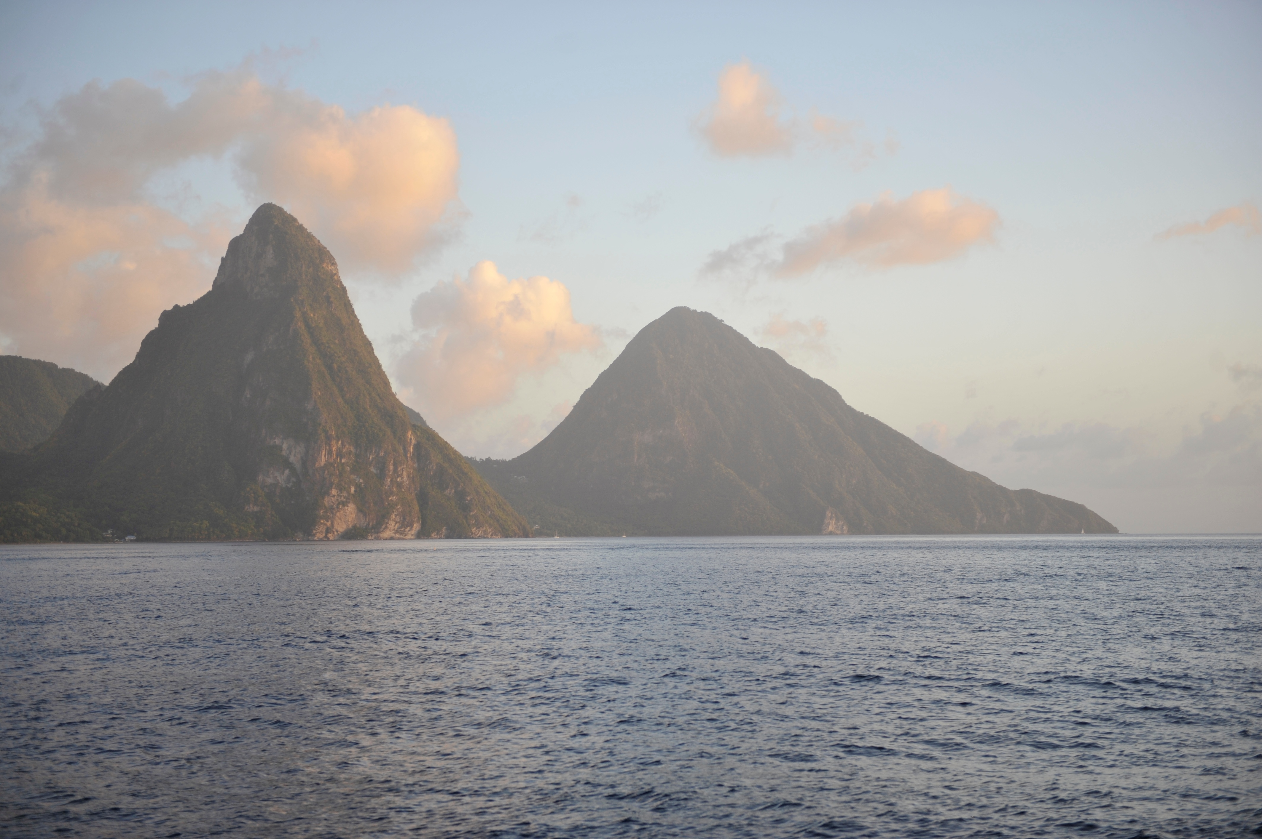 <- The Pitons, St.Lucia (07.12)