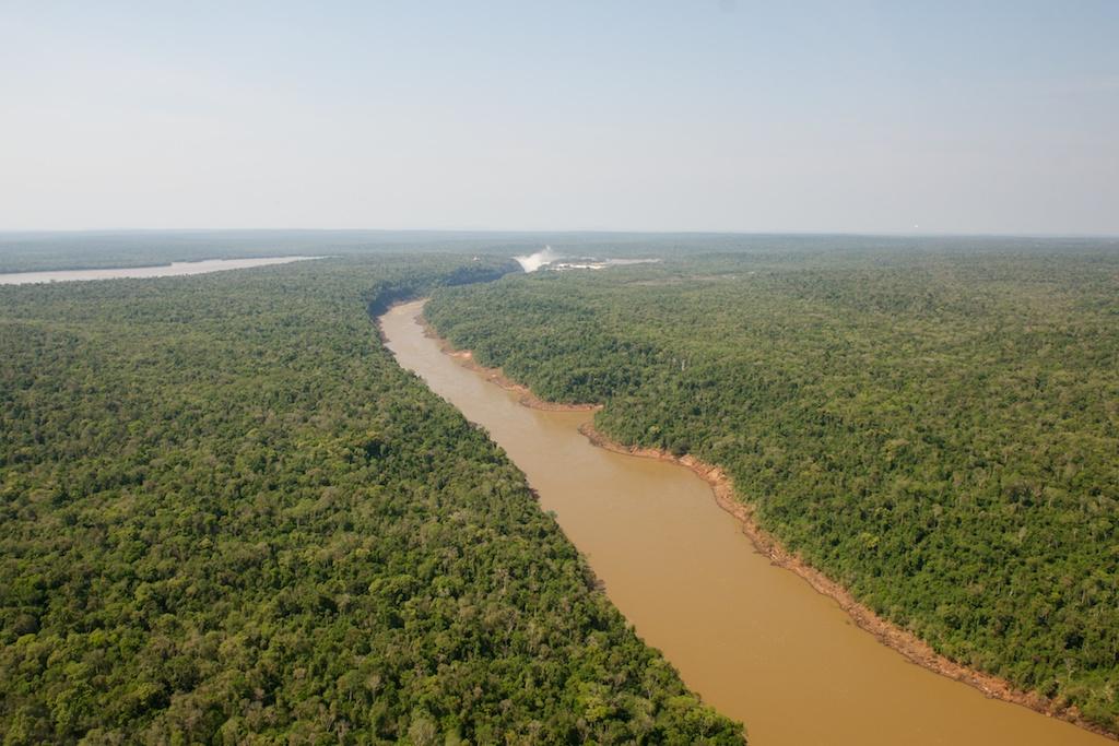 Iguazu z lotu ptaka zwanego helikopterem