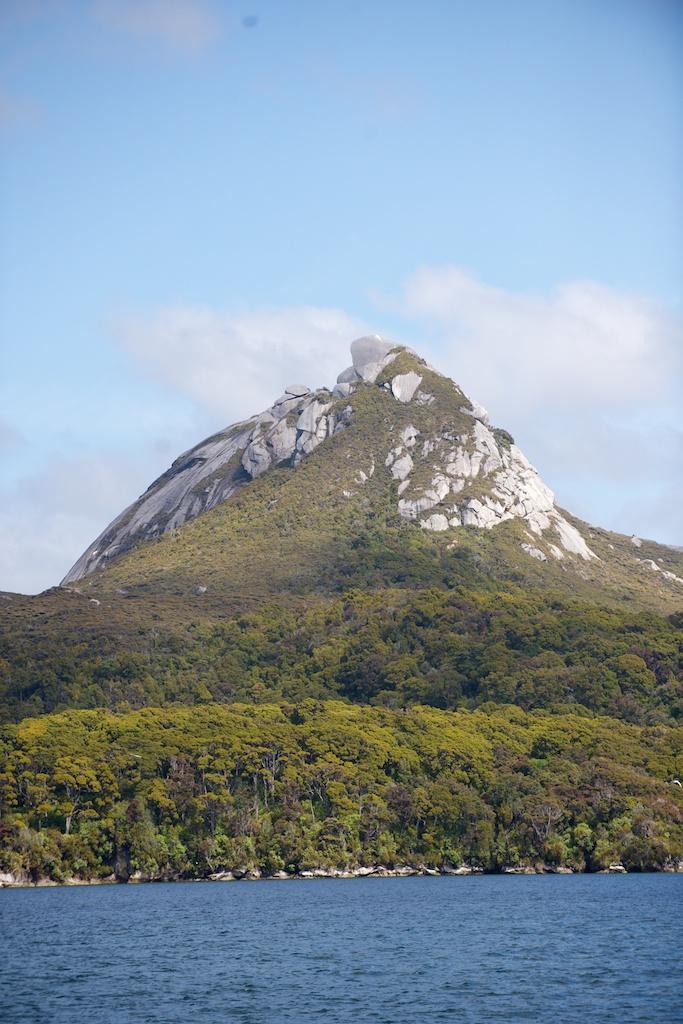 Z Port Pegasus przez Port Adventure do Golden Bay na Wyspie Stewart