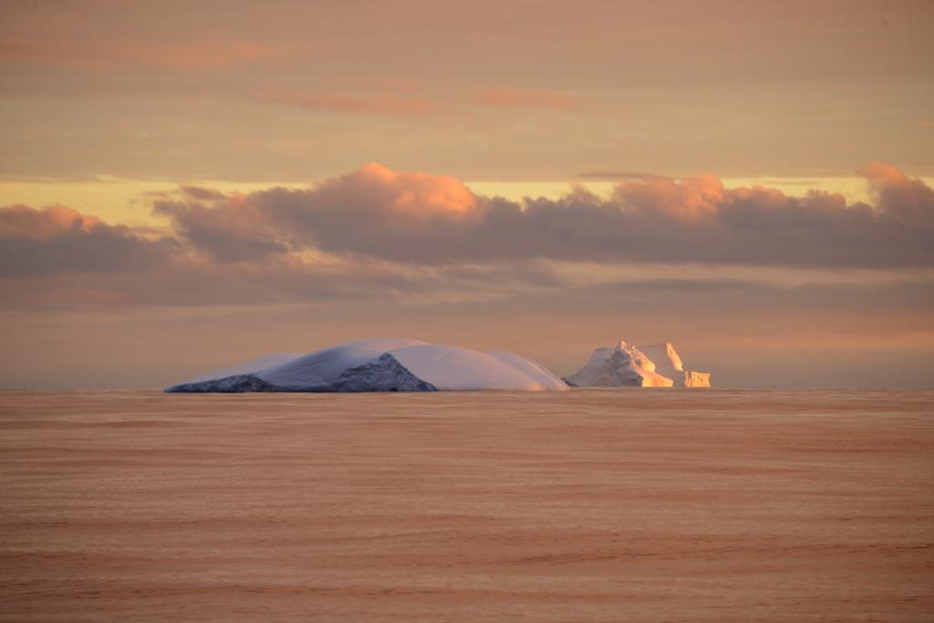 Morze Davisa – kraina gór lodowych