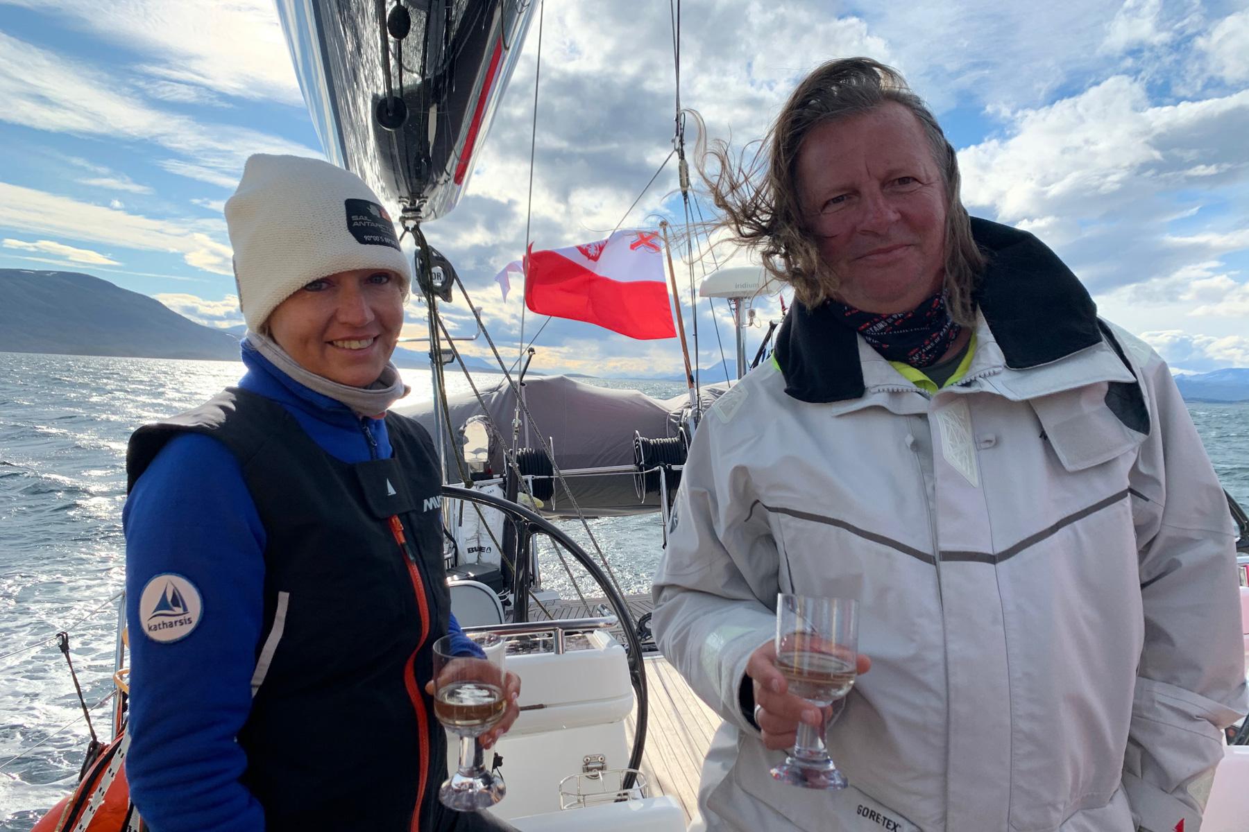 Na Antarktydę pod biało-czerwoną banderą