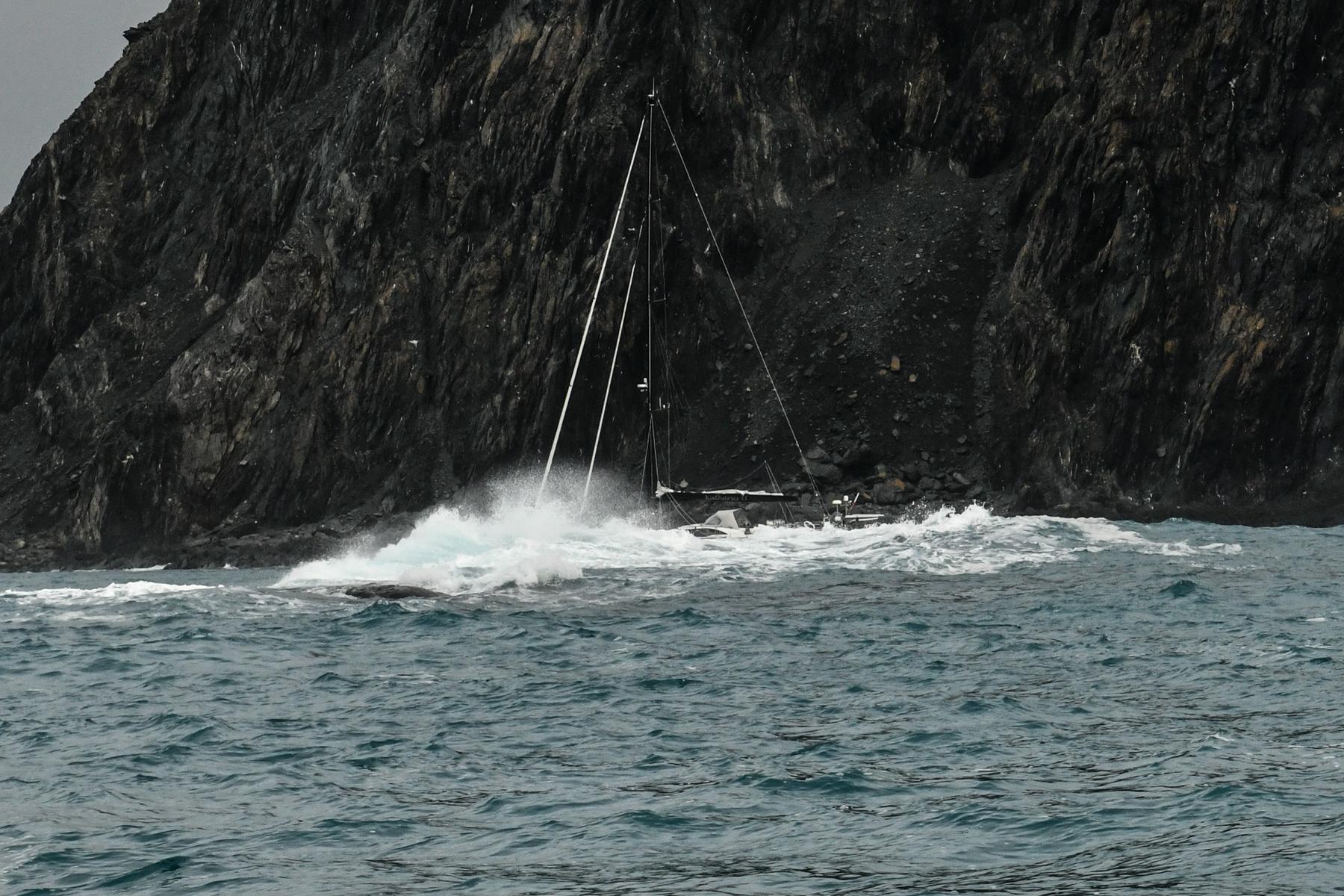 Kierunek na Elephant Island – emocji coraz więcej